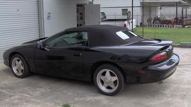 Black Camaro Top Repair